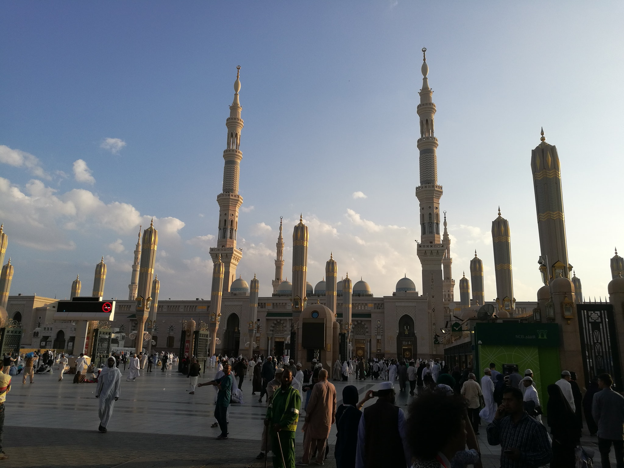 Looks so beautiful when you entire in Masjid Nabawi